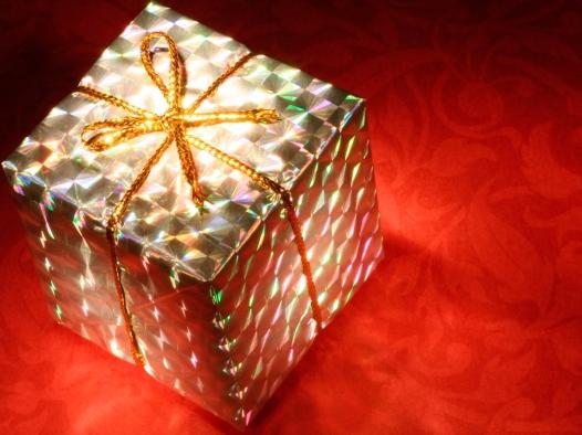 stockvault-glowing-gift-box133449.jpg